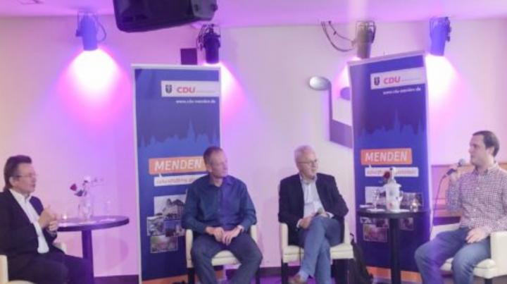 "Prof. Schmidt, Haldorn und Stern bei ""Politik mal anders"""